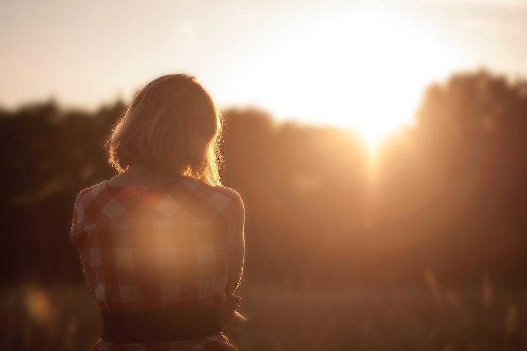 fjad28n8-iq-sunset-girl