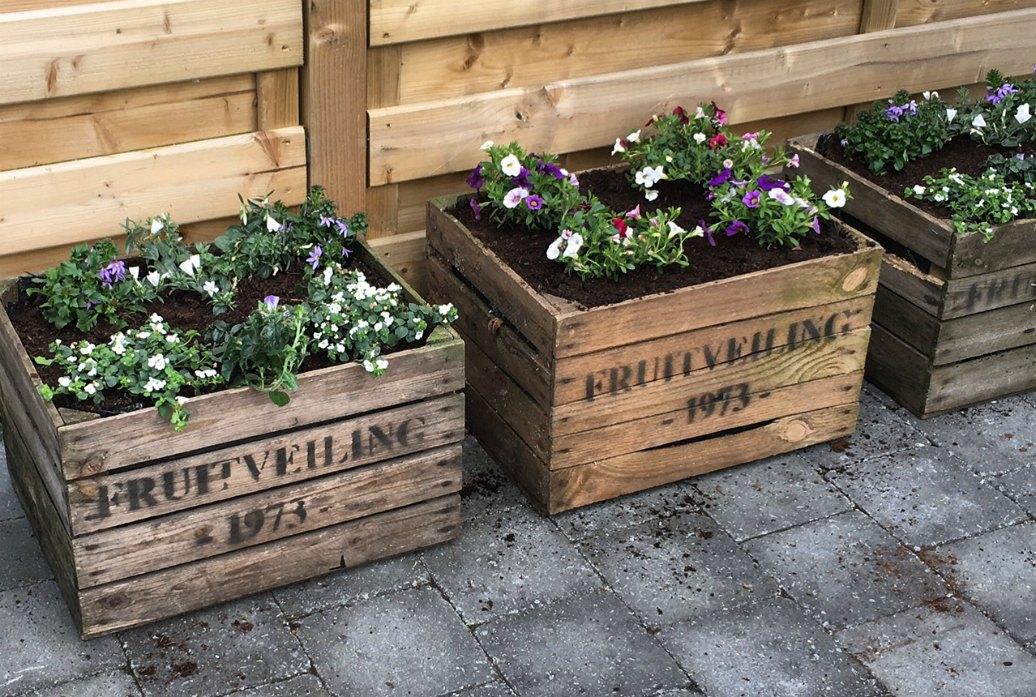 Upcycling: DIY bloembak van oude fruitkist