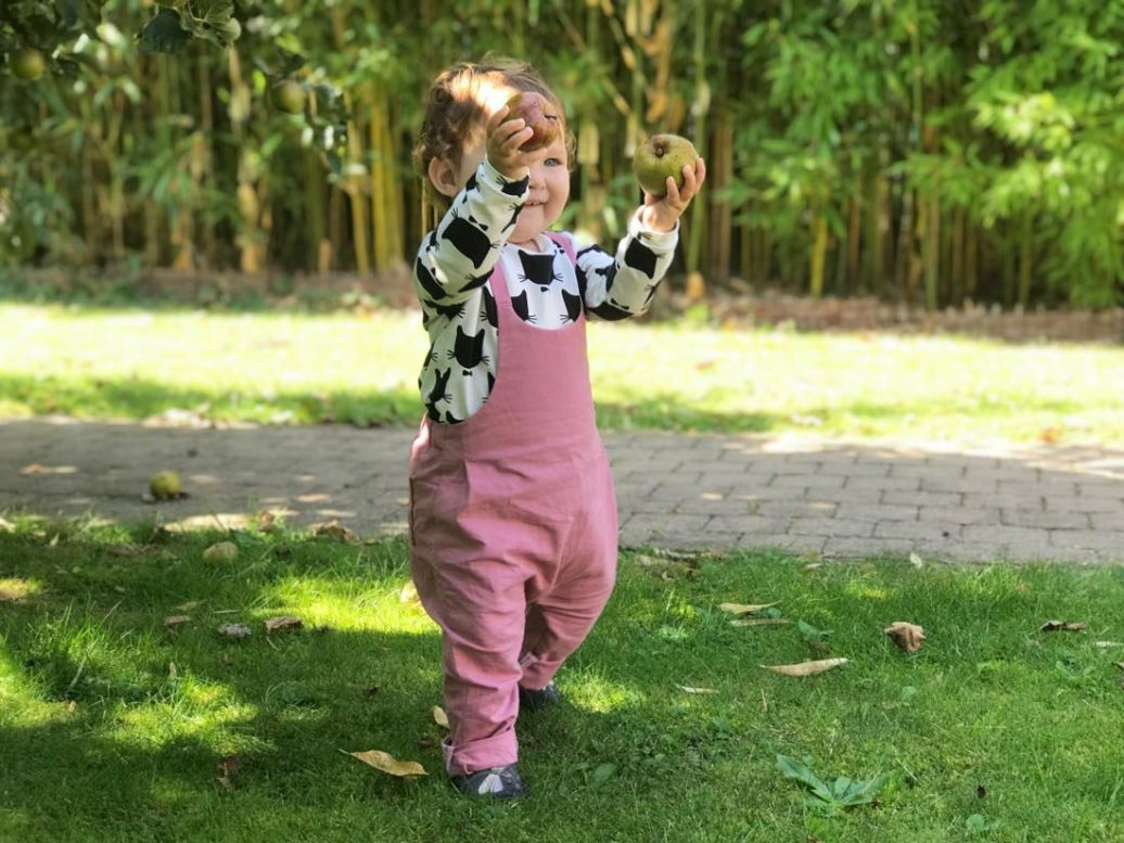De tuinbroek voor mijn kleindochter   Review eerlijke kinderkleding Byliesje