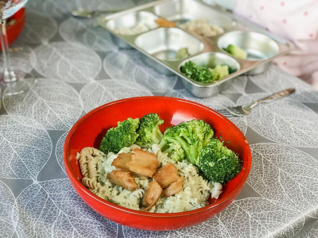 vegan pasta pesto roomsaus broccoli